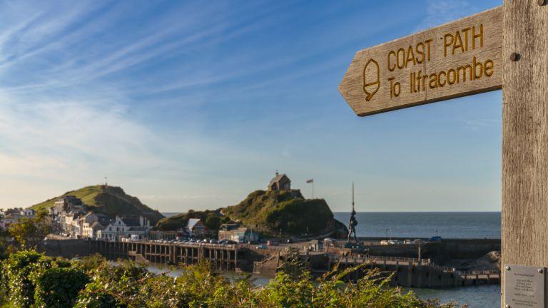 Nice walks near me: Ilfracombe North Devon costal path sign