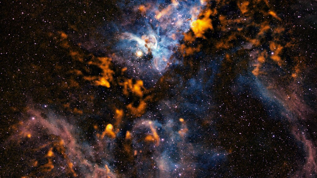 the cool clouds of carina space wallpaper