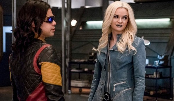 Vibe and Killer Frost Carlos Valdes Danielle Panabaker The Flash The CW