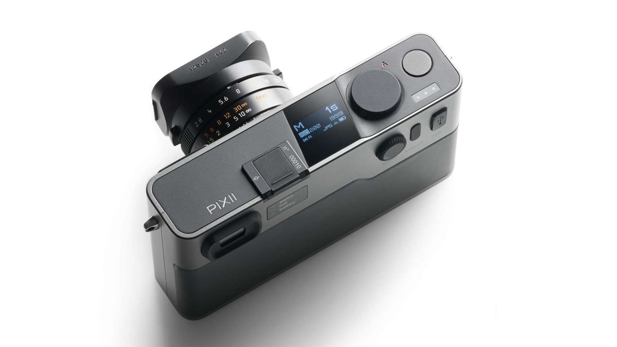 Pixii is here – the $3,000 camera with Leica mount, no LCD and no card slot