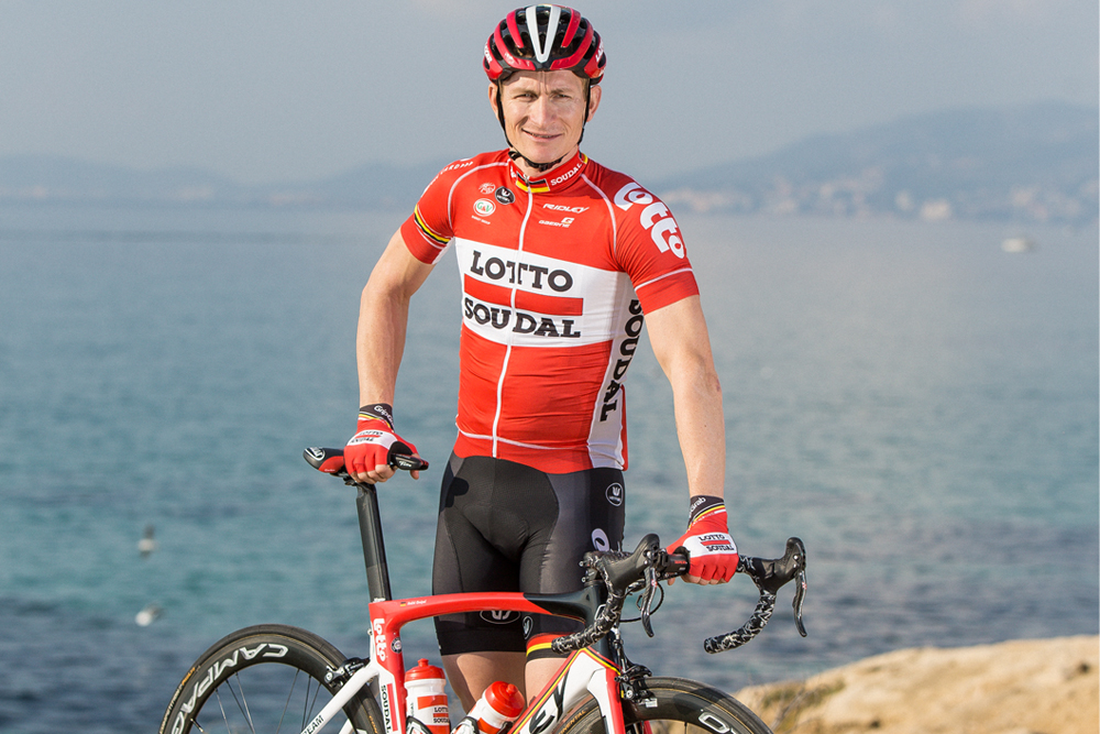 Andre Greipel models the new-retro Lotto-Soudal kit. Photo  Martin Paldan e1e20775d
