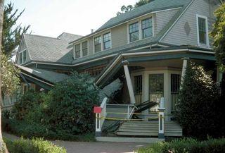 Loma Prieta earthquake damages house