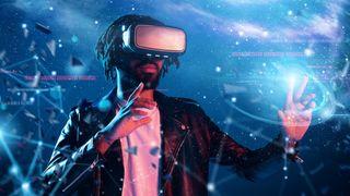 Mann mit VR-Headset in einer digitalen Welt