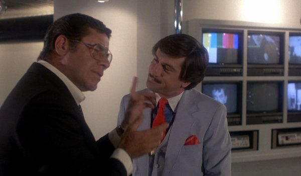 The King of Comedy Jerry Lewis tries to talk to Robert DeNiro in his office