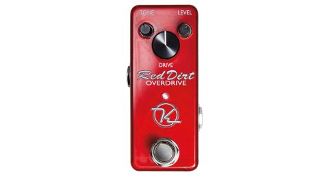 With a large knob for drive and smaller ones for tone and level, it follows the standard TS configuration