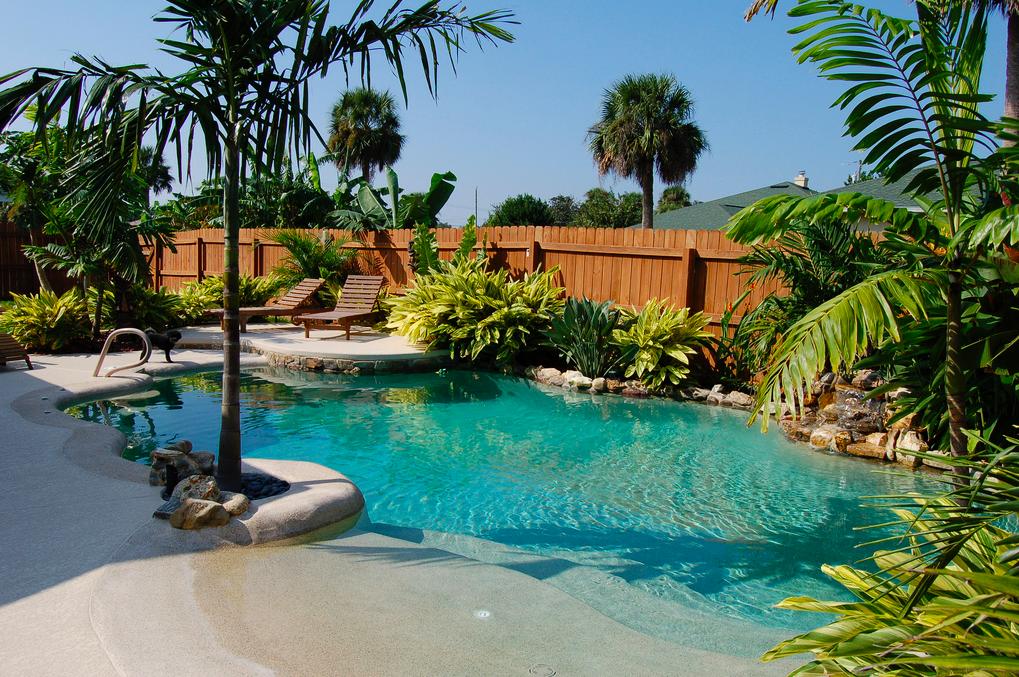 Why everyone needs a backyard beach... | Livingetc