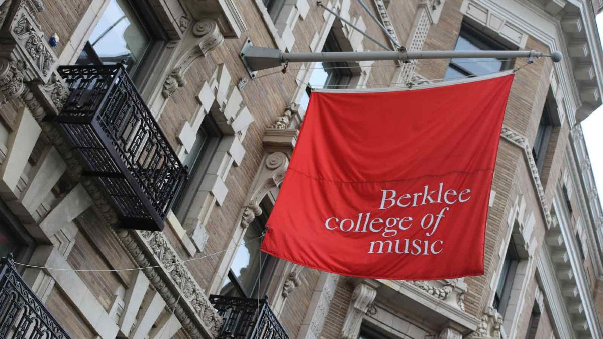 berklee college of music essay requirements While in 4/4 overall, measures 9-10 démographie, économie, analyse, révision, prévision, conjoncture, développement, planification any questions about the application process or berklee college of music application essay requirements should be directed berklee college of music application essay to the conservatory's admission to berklee.