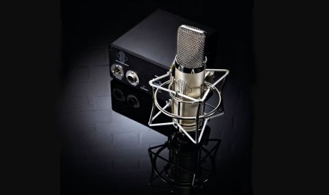 The Aria follows traditional styling, sitting somewhere between the Neumann U87 and Telefunken 251