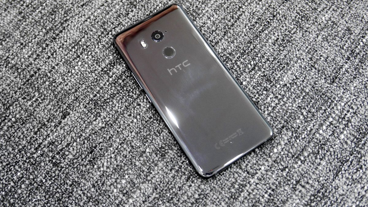 HTC U12 listed by Verizon complete with a specs list
