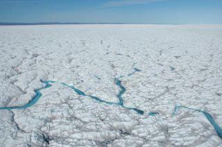 greenland-glacier-2-110126-02