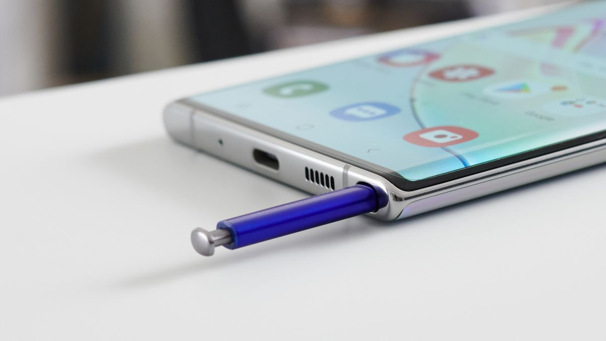 Galaxy Note 20 Ultra leaks in new hands-on images, and it looks like the real deal