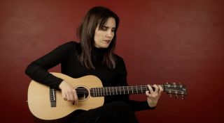 Alexx Calisse demos Furch's Little Jane travel guitar
