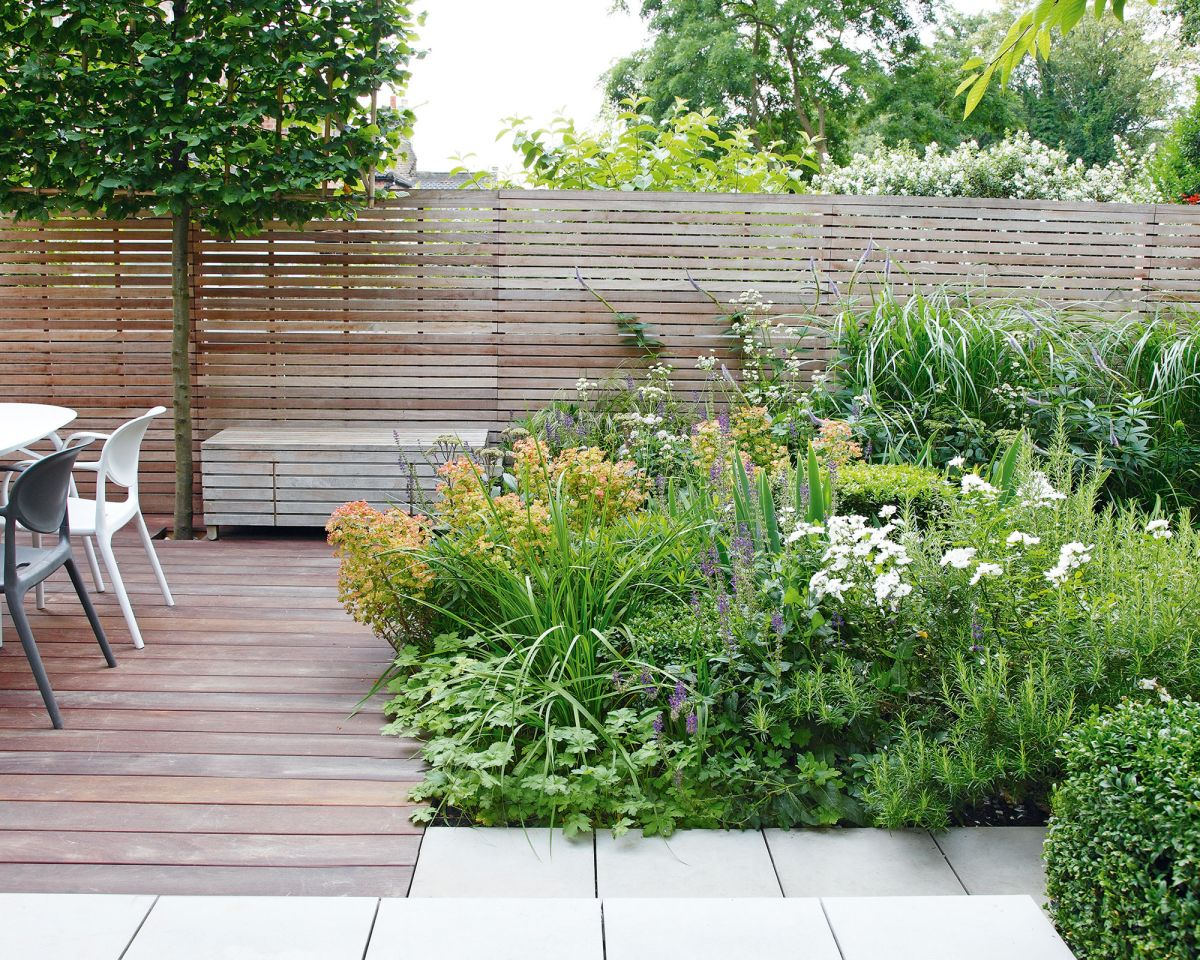 Deck planting ideas – using beds, planters and living walls