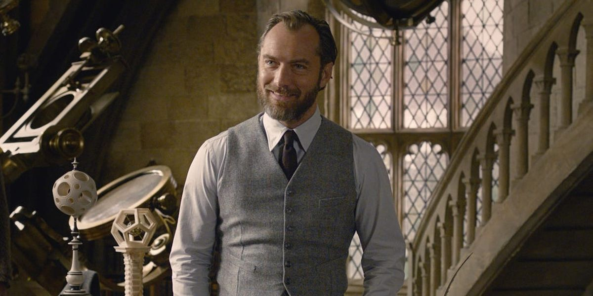 Jude Law as Dumble dore in Fantastic Beasts: The Crimes of Grindelwald