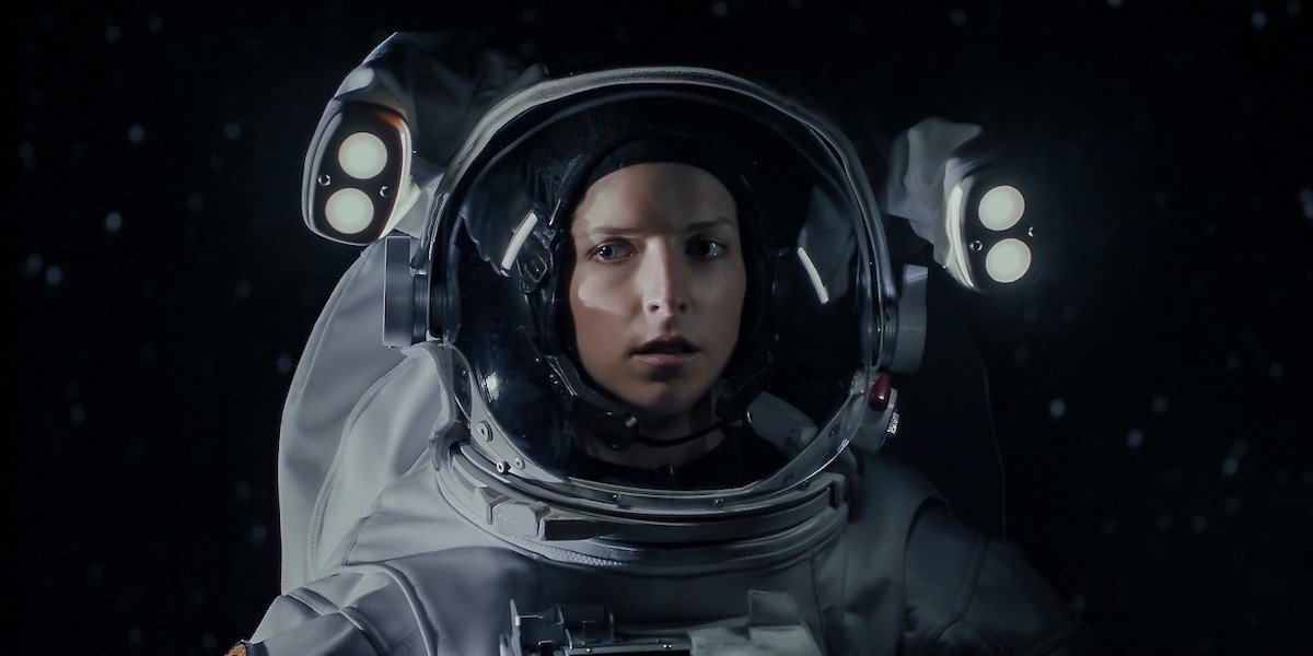 Anna Kendrick as astronaut Zoe in Stowaway