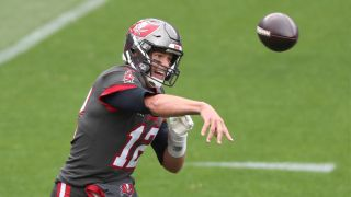 how to watch Tampa Bay Buccaneers vs LA Chargers live stream