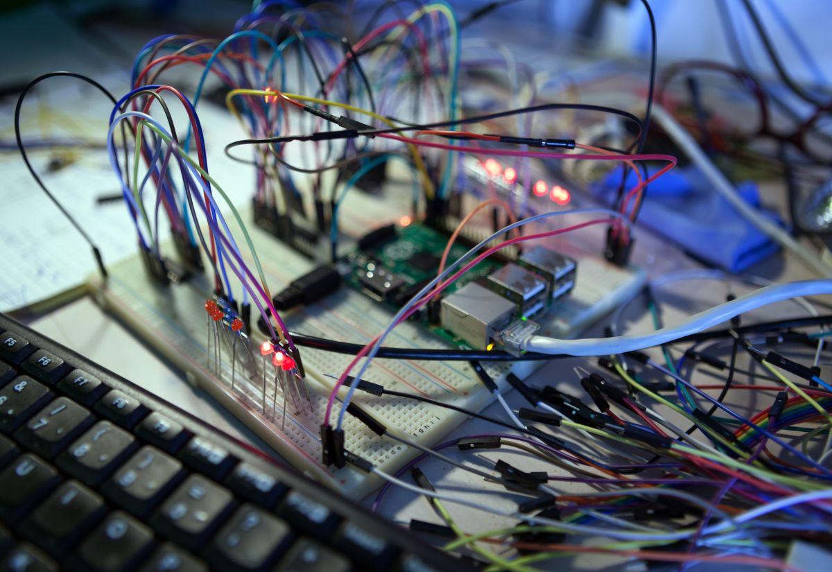 Security Developer Creates WiFi Hacking Module With Pi Zero