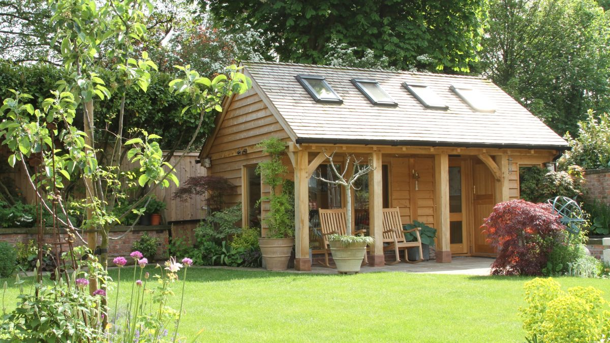 10 Oak Frame Garden Room Design Ideas