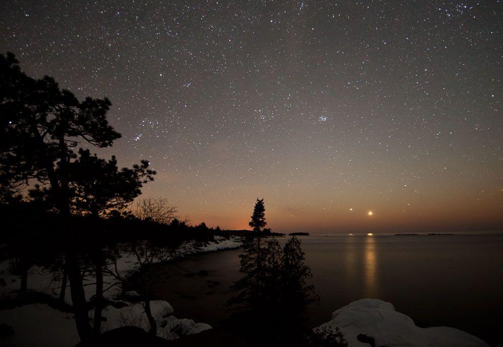 Bright Lights In The Evening Sky: Spot Venus & Jupiter