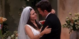 Friends: The 8 Cutest Monica And Chandler Moments From The Whole Series
