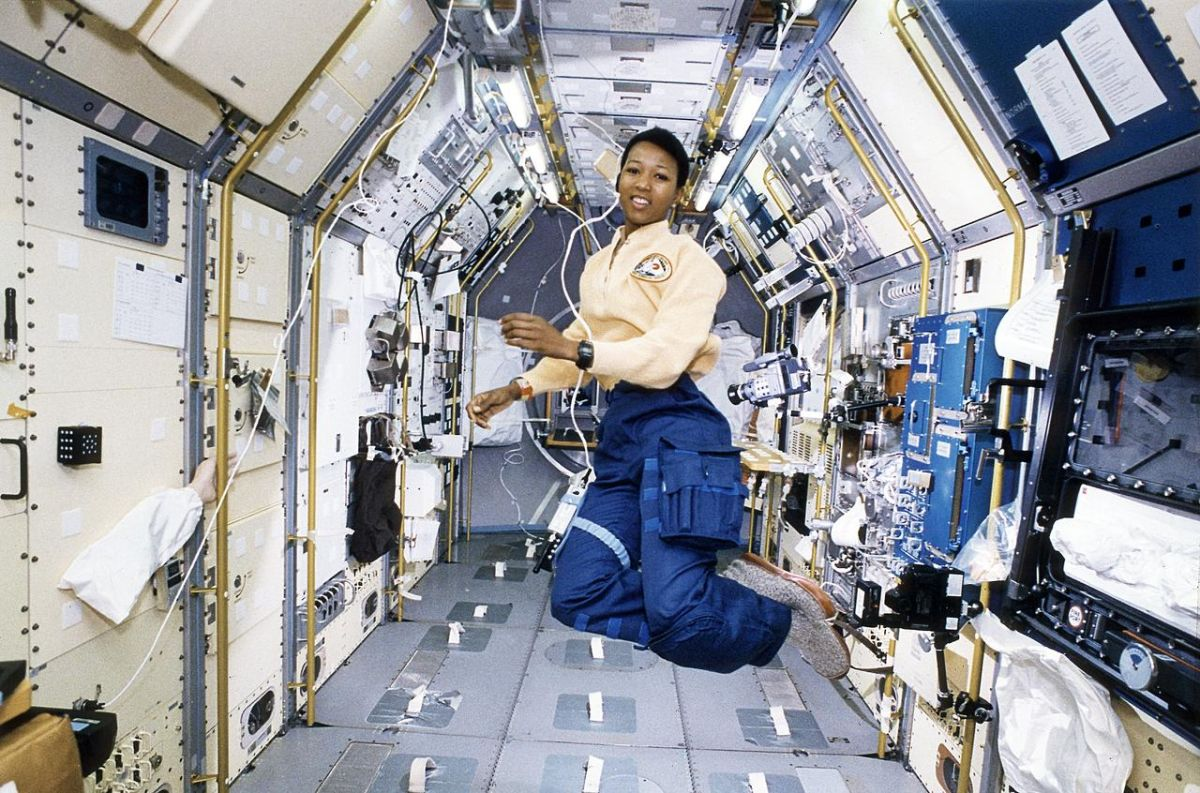 On This Day in Space! Sept. 12, 1992: Mae Jemison Becomes 1st African-American Woman in Space