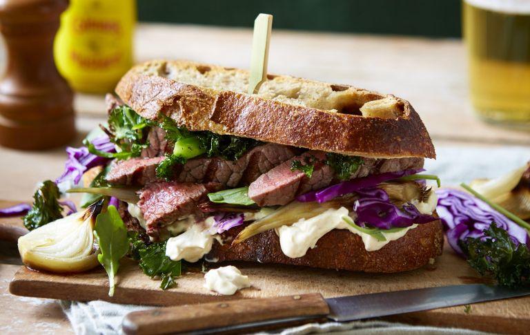 Steak sandwich with super greens
