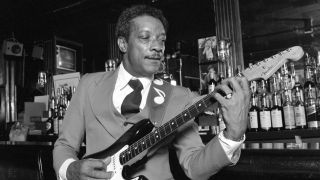 Hubert Sumlin playing guitar in Tramps Bar, New York