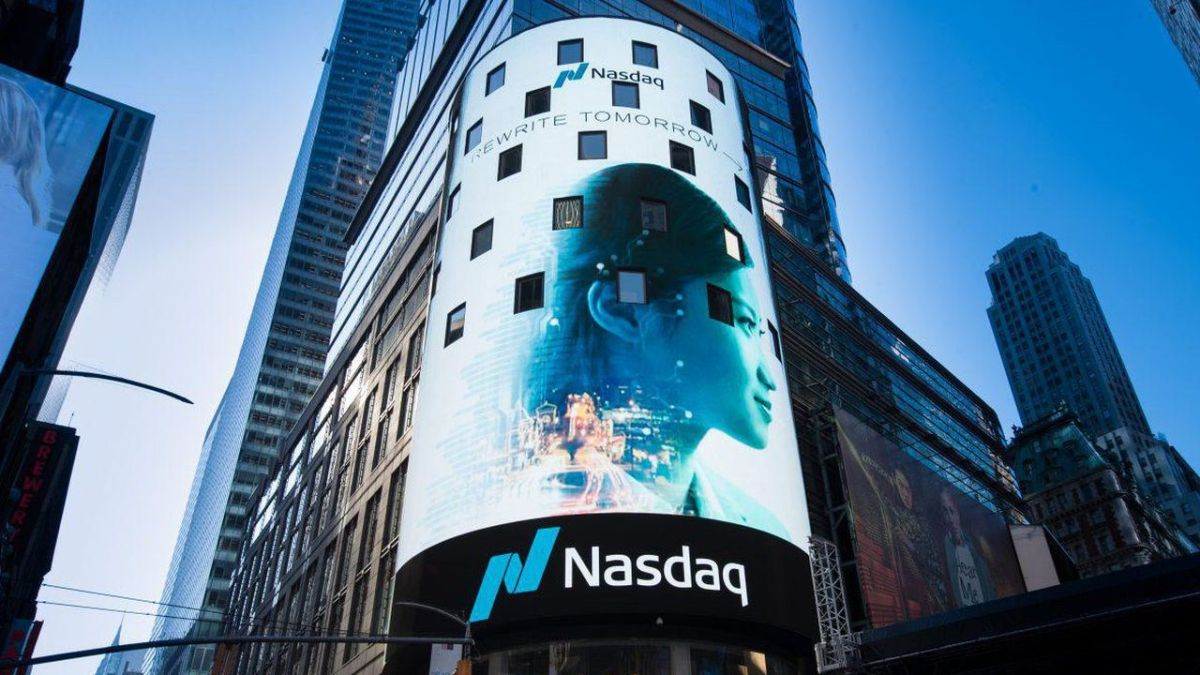 Nasdaq code burst into flames after Berkshire Hathaway reached new eye-watering share price