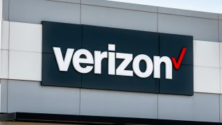 Verizon, AT&T, and T-Mobile to waive late fees through June 30th