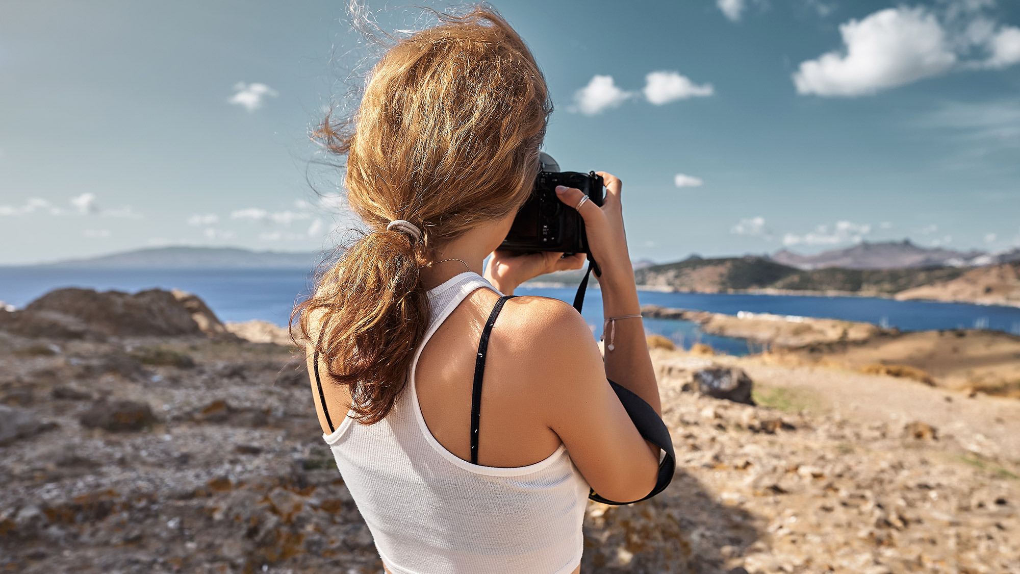 Dslr Vs Mirrorless Cameras Which Is Better For You Tom S Guide