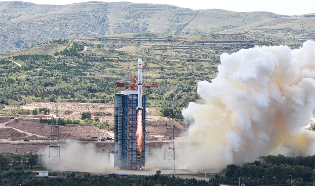 Chinese rocket booster appears to crash near school during Gaofen 11 satellite launch
