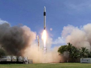 We have lift-off! Falcon 1 goes into orbit