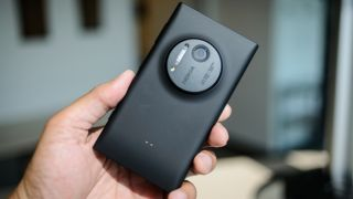 Want free Netflix for a year? Easy, just buy a Nokia Lumia 1020 from Vodafone