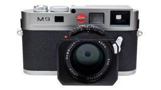 Who buys Leica cameras?