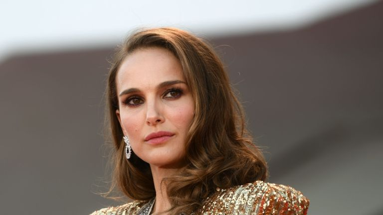 """Actress Natalie Portman arrives for the premiere of the film """"Vox Lux"""" presented in competition on September 4, 2018 during the 75th Venice Film Festival at Venice Lido. (Photo by Filippo MONTEFORTE / AFP) (Photo credit should read FILIPPO MONTEFORTE/AFP via Getty Images)"""