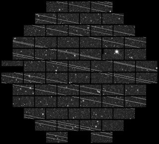 An image from the Cerro Tololo Inter-American Observatory shows streaks left by Starlink satellites.