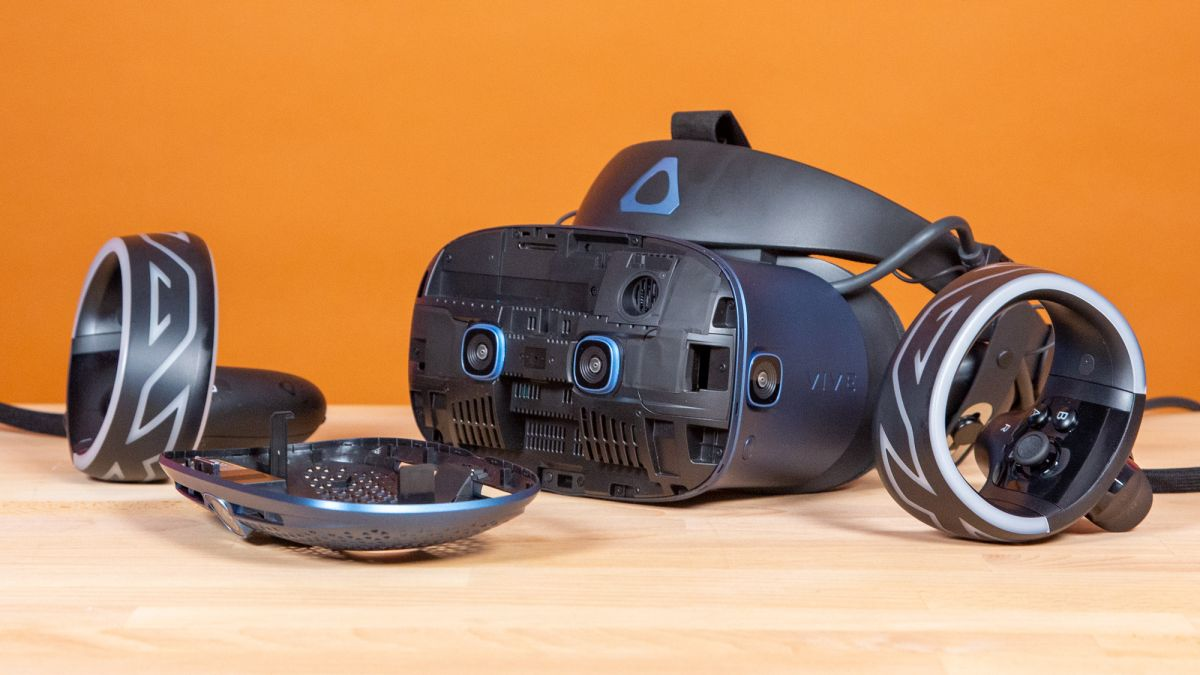 HTC's Project Proton is a bizarre VR headset that looks like a pair of glasses