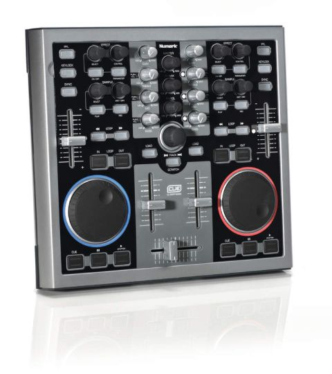 There's plenty to play with on Total Control's top panel.