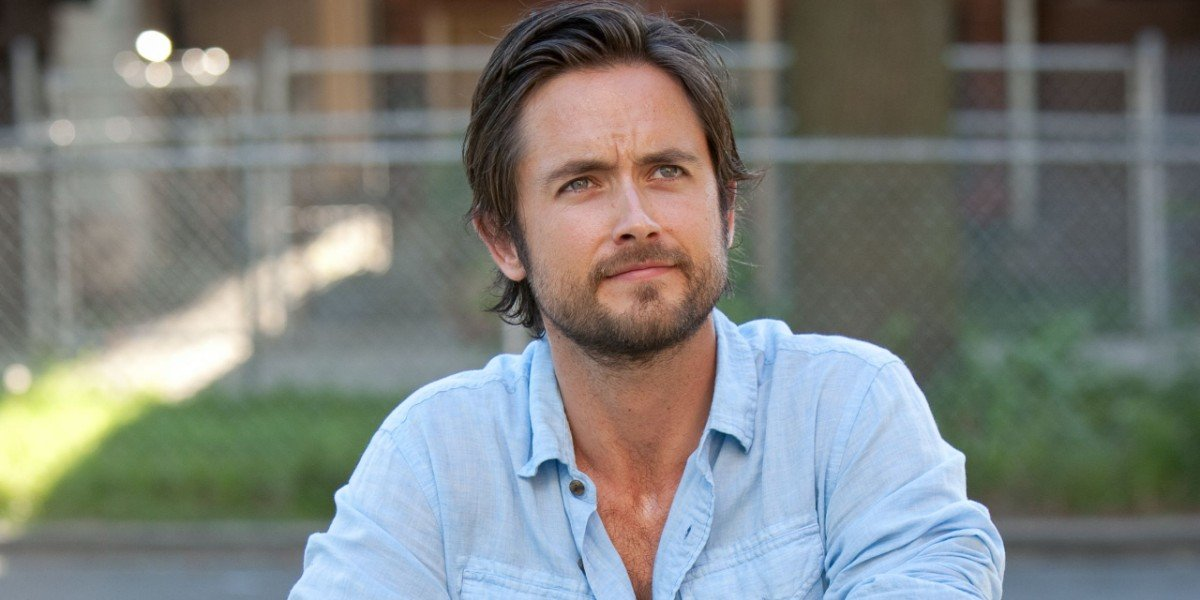 Justin Chatwin - Shameless