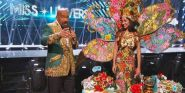 Steve Harvey Identifies Miss Universe Contestant By Wrong Country, Immediately Blames Teleprompter
