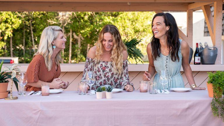 Motel Makeover cast April, Courtney and Sarah