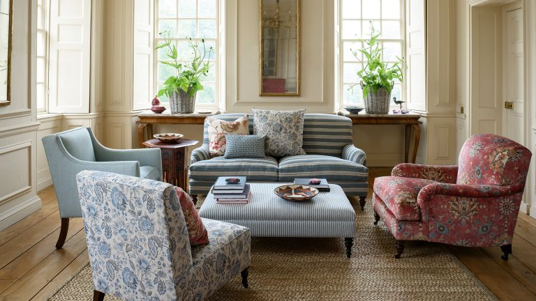 traditional living room Colefax and Fowler