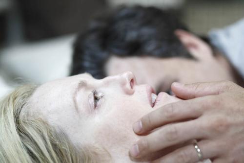 Blindness - Julianne Moore & Mark Ruffalo star in this chilling allegorical horror thriller
