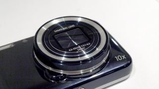 The inevitable Samsung Galaxy S5 Zoom may have a hexa-core chip and huge display