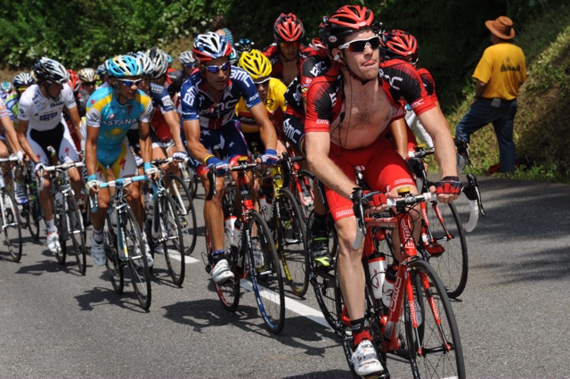 Brent Bookwalter leads the bunch, Tour de France 2010, stage 9