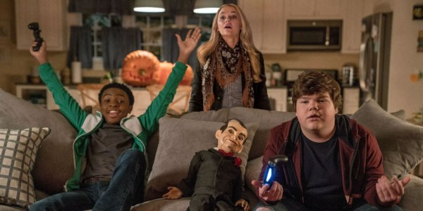 Goosebumps 2: Haunted Halloween the kids play video games with Slappy