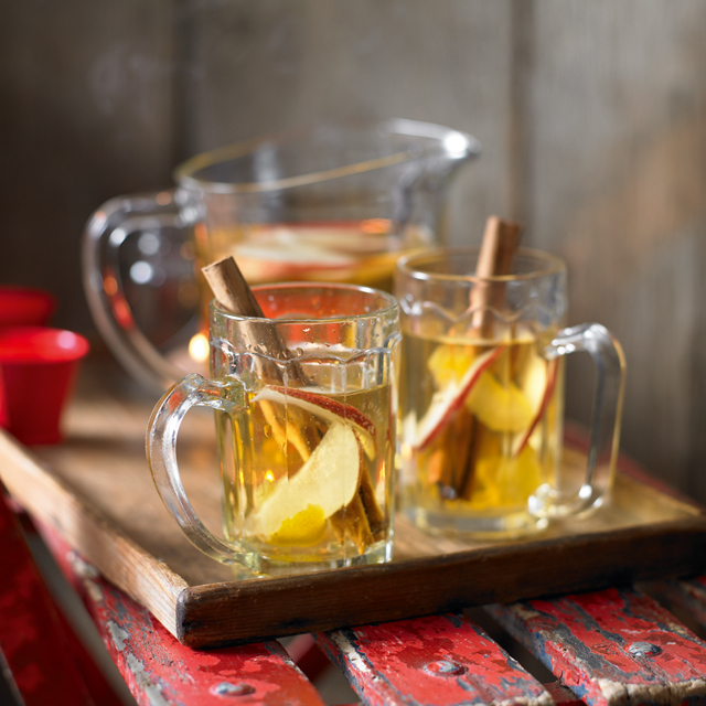 This festive mulled cider is the best alternative for people who don't like mulled wine