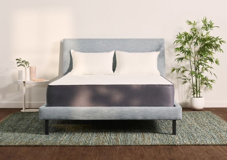 Casper Mattress discount: Casper Hybrid mattress in bedroom