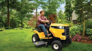 Zero turn vs lawn tractor: How to pick the right rider lawn mower for you