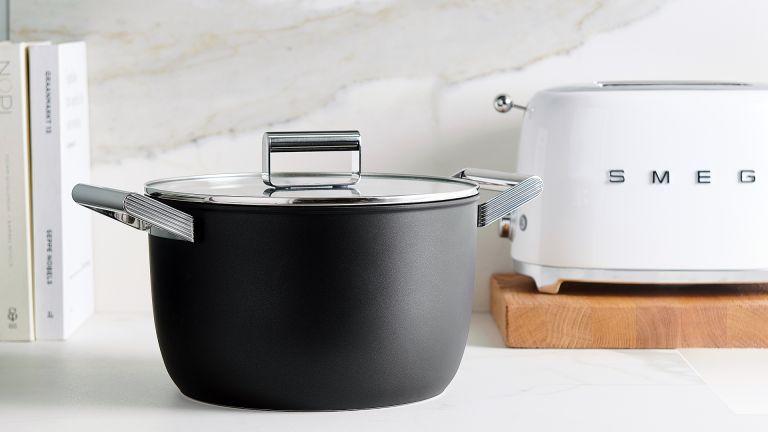 Smeg cookware range